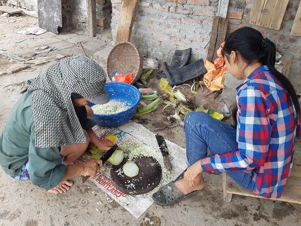 Người mẹ sinh 14 đứa con ở Hà Nội: Nhà tôi tự cách ly ở giữa đồng, vui lắm-4