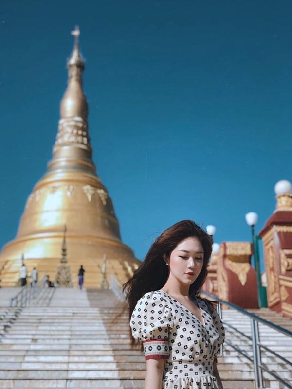 Những nữ tiếp viên hàng không Việt nổi tiếng vì mặt xinh, thân hình gợi cảm-8