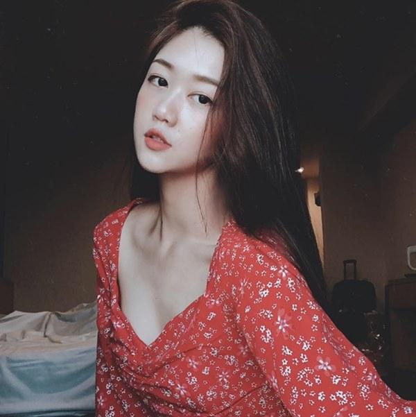 Những nữ tiếp viên hàng không Việt nổi tiếng vì mặt xinh, thân hình gợi cảm-9