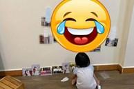 Để 2 con gái sàn sàn tuổi nhau tự chơi vài phút, mẹ méo mặt khi thấy 'kiệt tác' trên tường, đến ảnh cưới cũng không tha