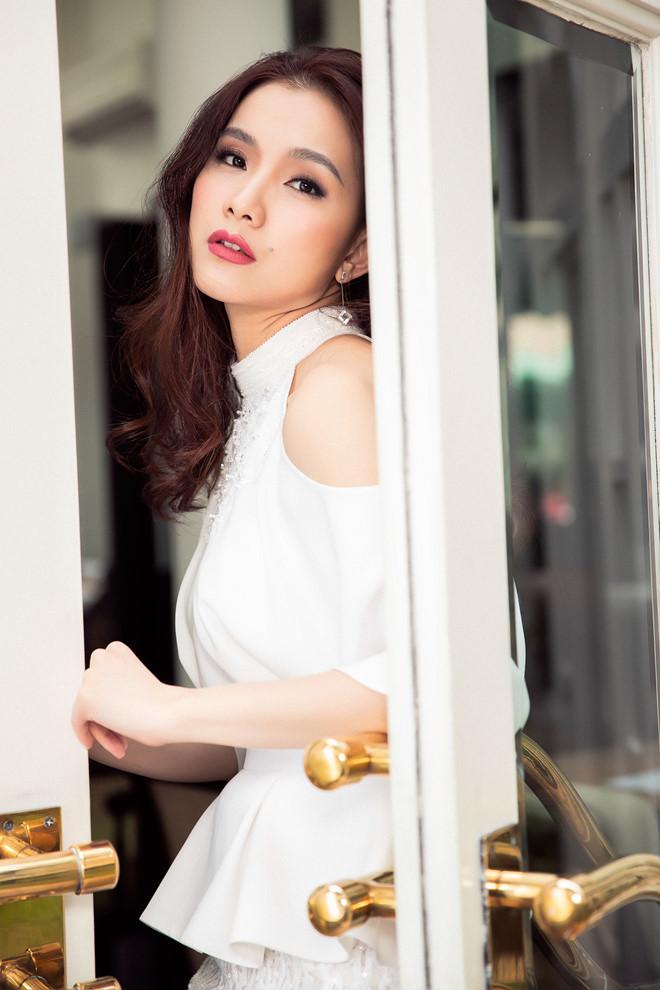 10 năm ở ẩn, Hoa hậu Thùy Lâm vẫn đẹp và quyến rũ-13