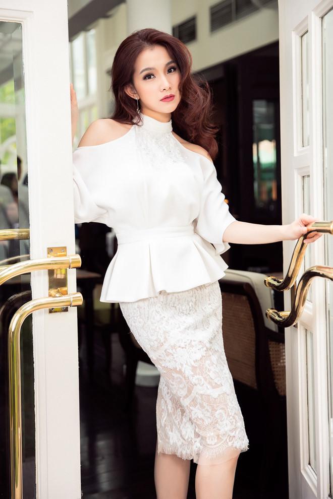 10 năm ở ẩn, Hoa hậu Thùy Lâm vẫn đẹp và quyến rũ-12