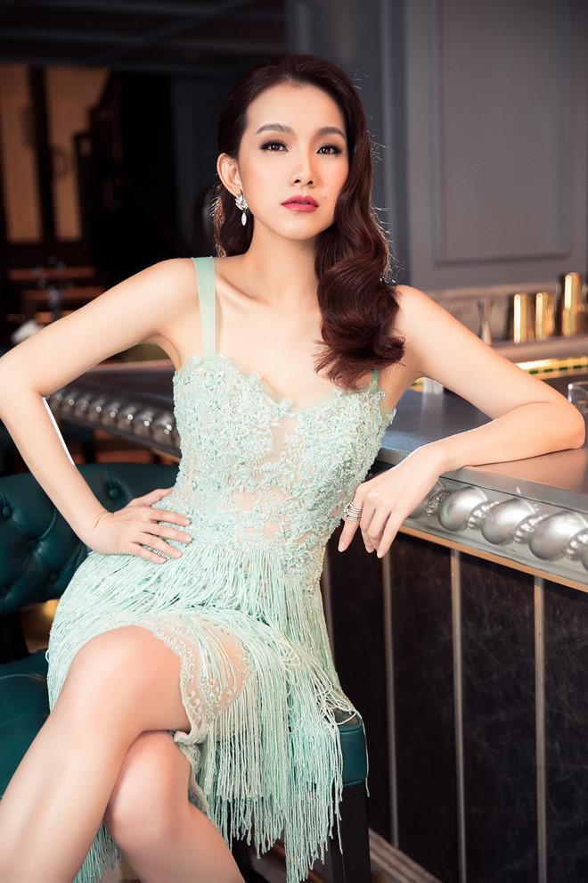 10 năm ở ẩn, Hoa hậu Thùy Lâm vẫn đẹp và quyến rũ-5