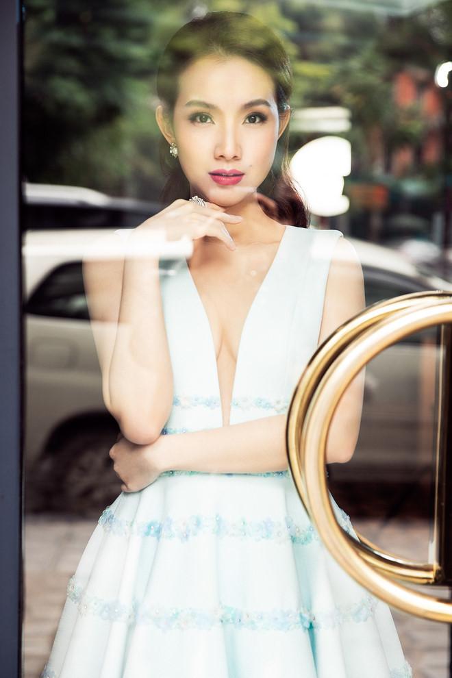 10 năm ở ẩn, Hoa hậu Thùy Lâm vẫn đẹp và quyến rũ-6