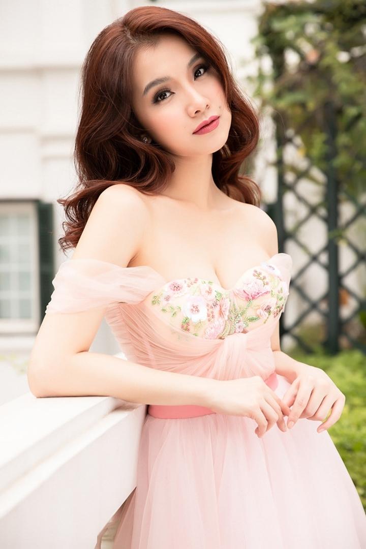 10 năm ở ẩn, Hoa hậu Thùy Lâm vẫn đẹp và quyến rũ-23