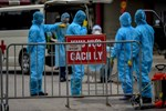Hai bác sĩ Trung Quốc nhiễm Covid-19 thoát chết nhưng da đổi màu nâu-3