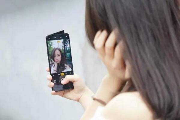 Những smartphone đang giảm giá mạnh cuối tháng 4/2020-6