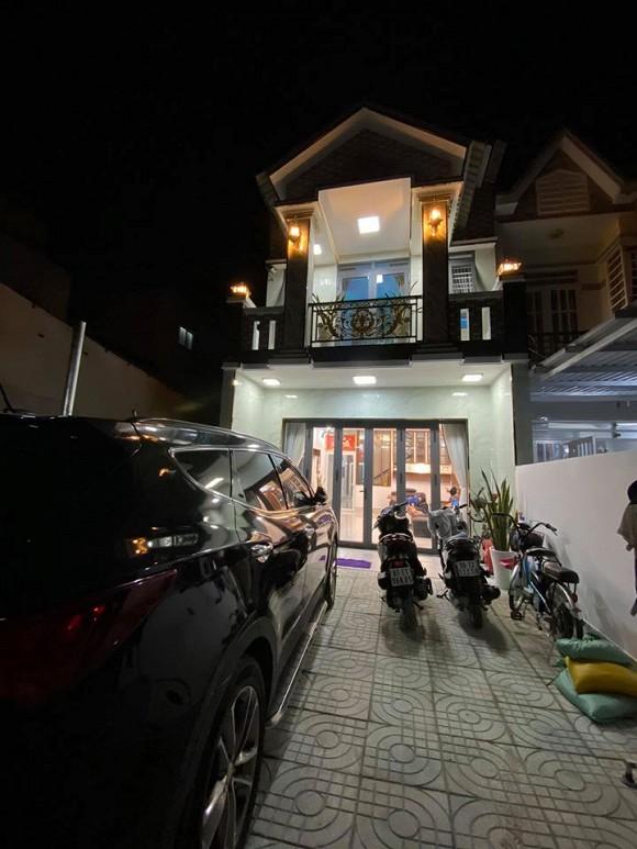 Sau hơn 1 năm ly hôn cháu gái Kim Tiểu Long, ca sĩ Khưu Huy Vũ khoe không gian nhà mới sang trọng-1