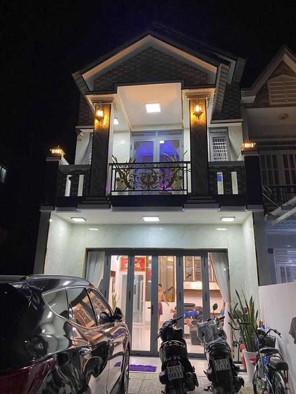 Sau hơn 1 năm ly hôn cháu gái Kim Tiểu Long, ca sĩ Khưu Huy Vũ khoe không gian nhà mới sang trọng-2