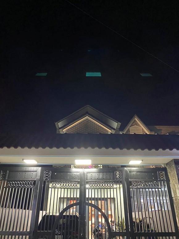 Sau hơn 1 năm ly hôn cháu gái Kim Tiểu Long, ca sĩ Khưu Huy Vũ khoe không gian nhà mới sang trọng-3