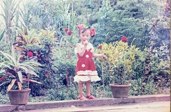 Angela Phương Trinh tung ảnh hiếm chứng minh xinh từ bé, bất ngờ nhất là gu thời trang sành điệu-4