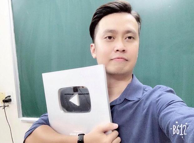 Học sinh, giáo viên Văn nói về việc giảng bài thơ Sóng thành bí kíp tán gái: Sáng tạo nhưng đừng quá lố!-2