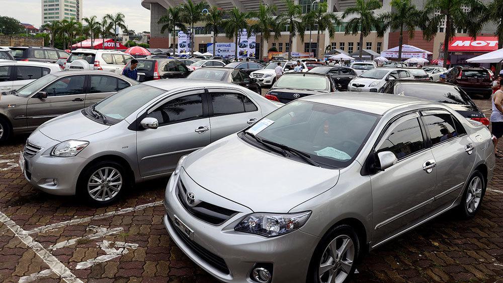 Hụt tiền chi tiêu, sếp đồng loạt rao bán ô tô giá rẻ-1