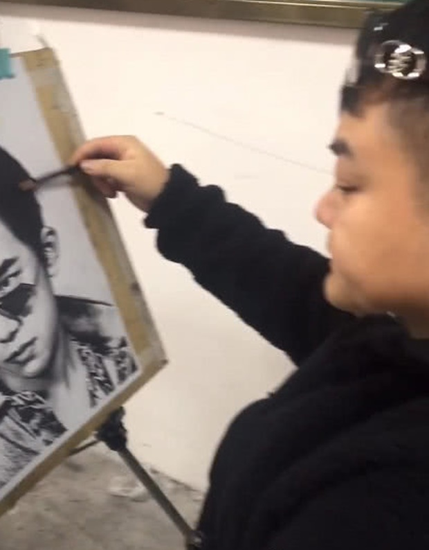 Được yêu cầu tự họa chân dung, sinh viên đạt điểm tối đa vì vẽ mình như nam thần, nhưng sự thật phía sau lại cực đắng-2