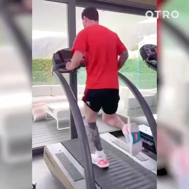 Học cách Ronaldo và Messi giữ dáng mùa Covid-19: Ăn uống, ngủ nghỉ quan trọng không kém tập luyện-1
