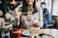 8 thực phẩm thơm ngon này thường chứa nhiều muối hơn bạn tưởng, nếu ăn quá nhiều và thường xuyên sẽ tăng nguy cơ suy tim, suy thận thậm chí ung thư dạ dày