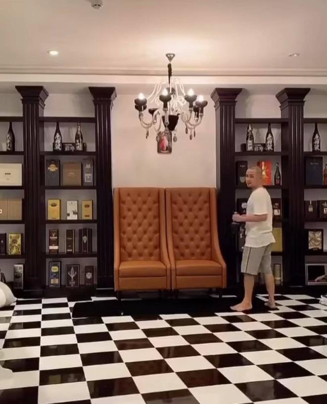 Ảnh nét căng biệt thự 2 mặt tiền như khách sạn 5 sao của anh trai ca sĩ Bảo Thy và vợ hotgirl-1