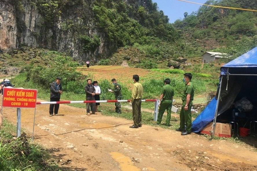Hà Giang dỡ phong tỏa thị trấn Đồng Văn sau chưa đầy 24 giờ-1