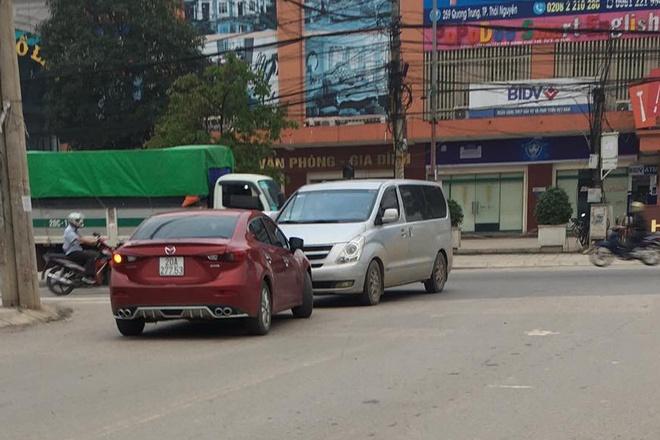 Cô gái lái xe ngược chiều, livestream chửi bới bị phạt 4 triệu-1