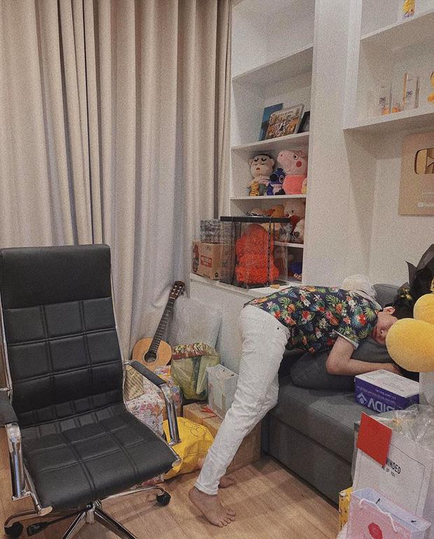 Jack lần đầu hé lộ rõ nét căn hộ hiện tại: Quà tặng sắp mệt nghỉ, nhưng vật đặc biệt chễm chệ giữa phòng mới gây chú ý-5