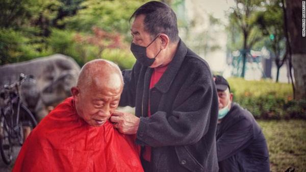 Vũ Hán sau đợt phong tỏa toàn diện 76 ngày: Cuộc sống dần trở lại bình thường, nhưng vết sẹo đớn đau từ đại dịch vẫn ở đó-4