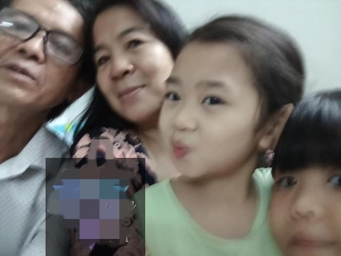 Con gái Mai Phương đoàn tụ với ông bà ngoại-3