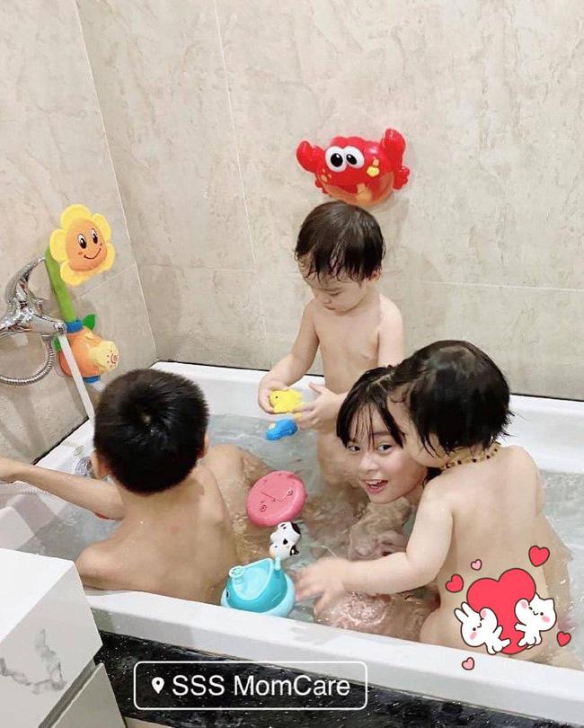 Cho các con tắm chung một bồn, Hằng Túi bất ngờ bị nhắc nhở và lời giải thích khiến mọi người im lặng-1