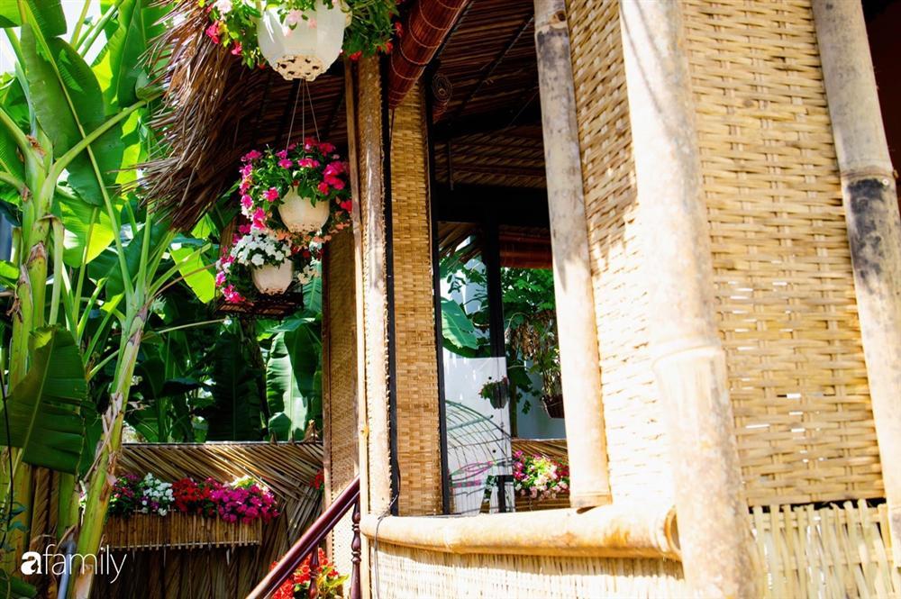 Nghỉ dịch ở nhà, gia đình trẻ gắn kết yêu thương bằng cách cải tạo vườn rau xanh tốt giữa lòng Sài Gòn-19