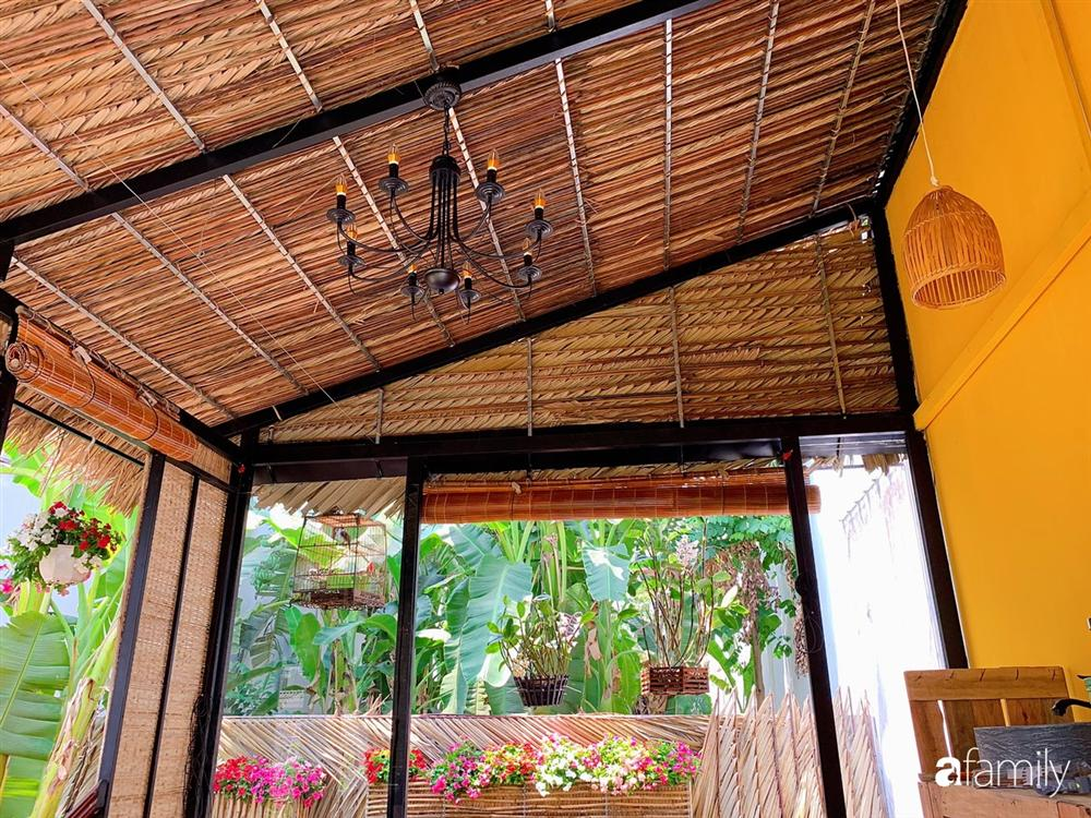 Nghỉ dịch ở nhà, gia đình trẻ gắn kết yêu thương bằng cách cải tạo vườn rau xanh tốt giữa lòng Sài Gòn-24