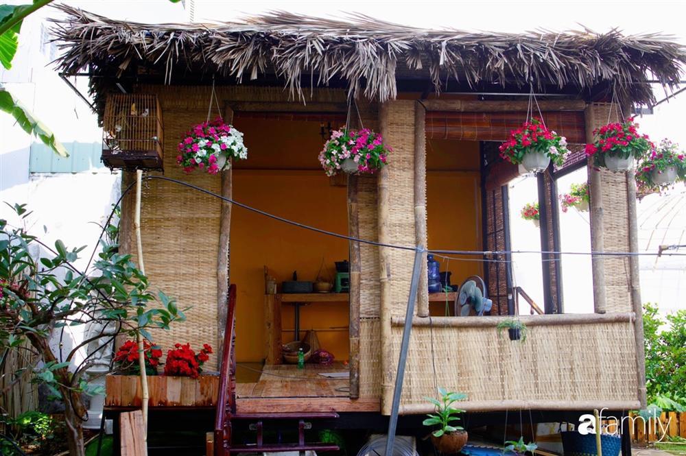 Nghỉ dịch ở nhà, gia đình trẻ gắn kết yêu thương bằng cách cải tạo vườn rau xanh tốt giữa lòng Sài Gòn-35