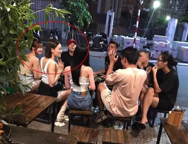 Cố tình che giấu nhưng Ninh Dương Lan Ngọc và Chi Dân vẫn để lộ việc đi du lịch Singapore cùng nhau-2
