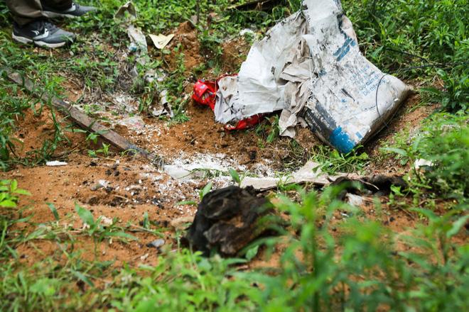 Ông ngoại cháu bé bị xe tải tông trúng rồi giấu xác phi tang: Sau khi gây tai nạn, nó một mực chối cãi, còn phụ giúp dùng xẻng xới cát tìm thi thể cháu tôi-3