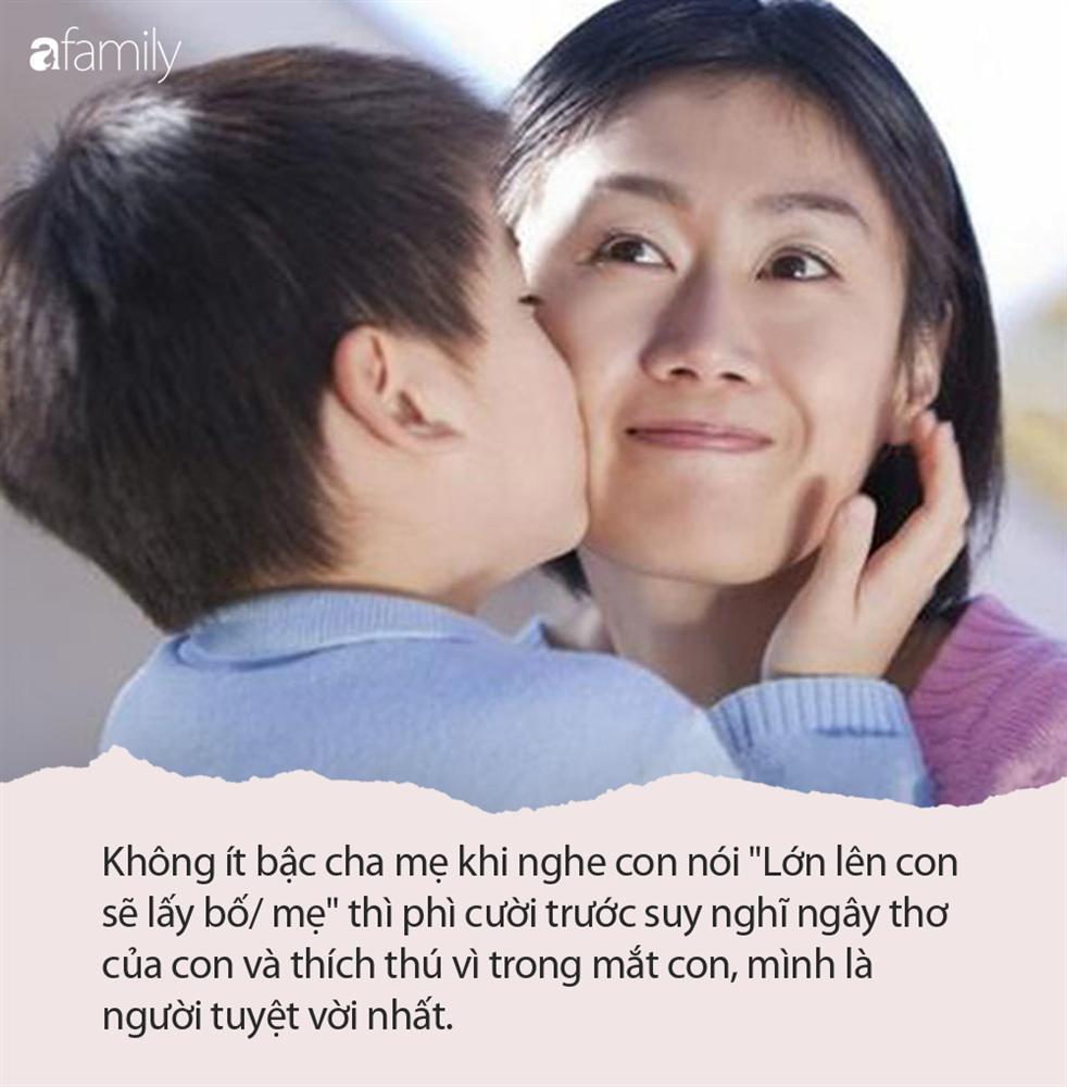 Con trai hồn nhiên hỏi: Lớn lên con lấy mẹ được không?, mẹ đáp 1 câu khiến ai cũng thán phục-1