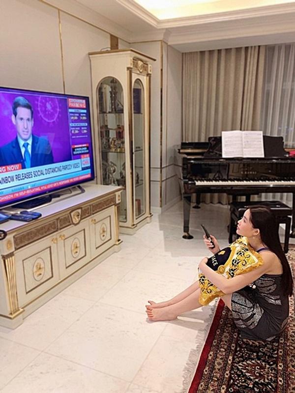 Bên trong căn hộ rộng 280m2 cực thoáng đãng của Hoa hậu Ngân Anh-3