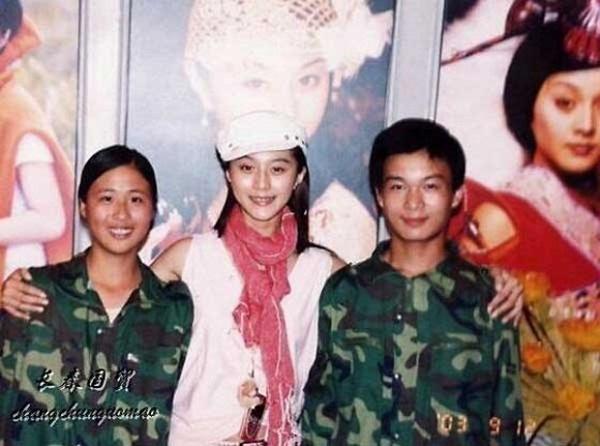 Bức ảnh năm 22 tuổi chưa từng được công bố của Phạm Băng Băng bất ngờ gây bão dư luận, nhan sắc thật sự được hé lộ-2