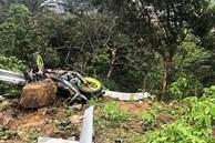 Ô tô lao xuống vực sau tai nạn ở Tam Đảo, 4 người chết