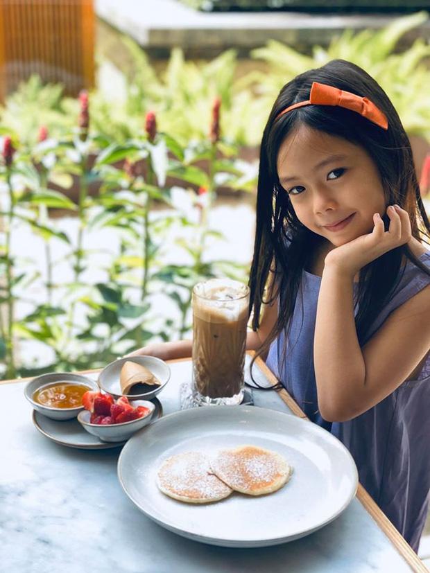 Con gái Đoan Trang mới 6 tuổi đã sở hữu nhan sắc bông hồng lai xinh đẹp, lại còn có khả năng đáng nể này-1