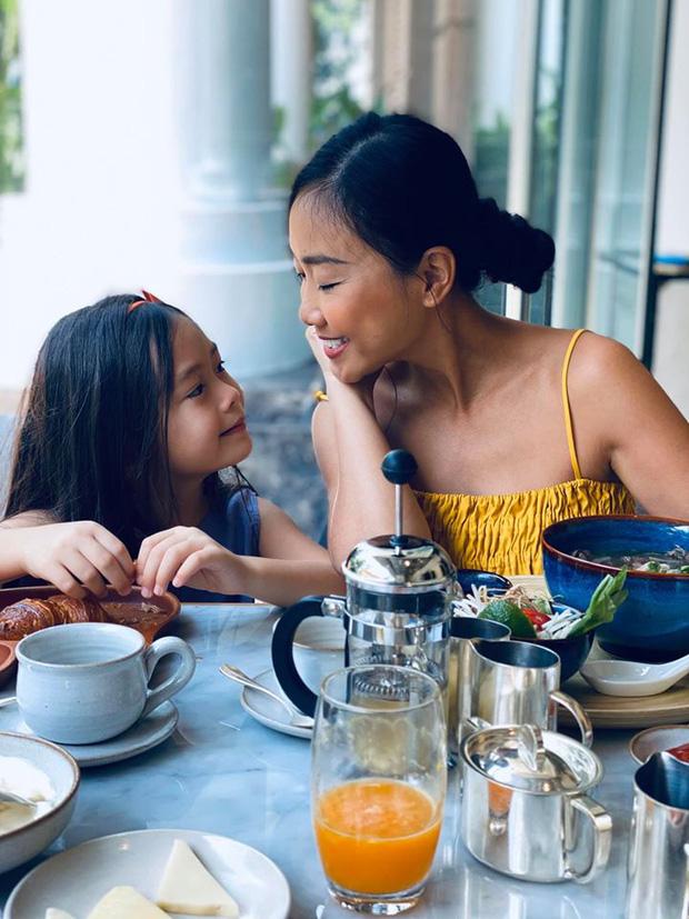 Con gái Đoan Trang mới 6 tuổi đã sở hữu nhan sắc bông hồng lai xinh đẹp, lại còn có khả năng đáng nể này-2