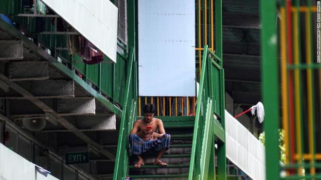 Covid-19 để lộ ra mặt trái của xã hội Singapore: Có một tầng lớp đã và đang bị phân biệt rõ ràng đến đáng sợ-4
