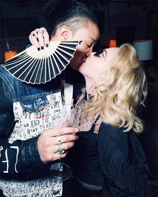 Nhan sắc Madonna ở tuổi 62 và chuyện tình với phi công kém 36 tuổi-3