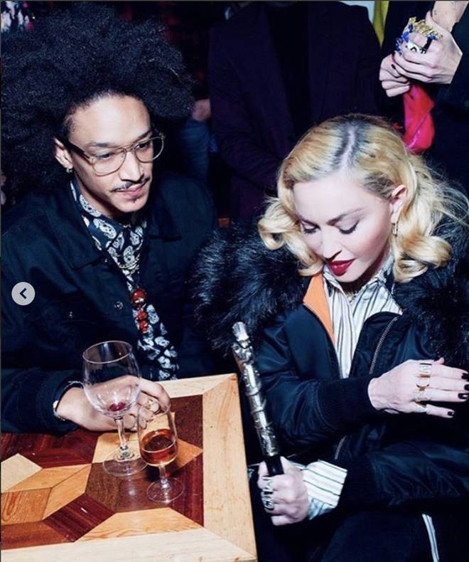 Nhan sắc Madonna ở tuổi 62 và chuyện tình với phi công kém 36 tuổi-4