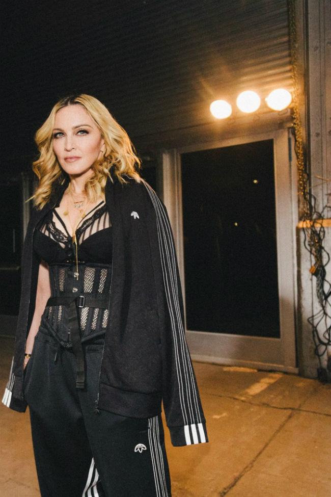 Nhan sắc Madonna ở tuổi 62 và chuyện tình với phi công kém 36 tuổi-11