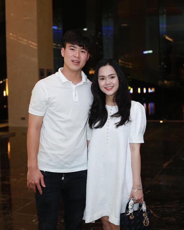 Quỳnh Anh để lộ vòng hai to bất thường, nghi vấn mang thai khiến fans tới tấp chúc mừng Đỗ Duy Mạnh được lên chức bố-2