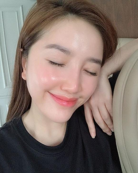 Bí kíp dưỡng da của Bảo Thy: Bôi kem chống nắng ngay cả khi ở trong nhà, ngủ sớm-5