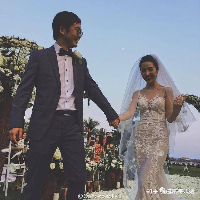 Chủ tịch Taobao bị giáng chức sau khi bị vợ tố ngoại tình, dân mạng tranh luận: Hủy hoại sự nghiệp của chồng bằng 1 dòng trạng thái là đúng hay sai?-2
