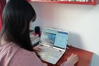 Con đang học online bỗng nhiên hét thất thanh, mẹ tá hỏa chạy vào thì thấy 'cảnh nóng' trên màn hình máy tính