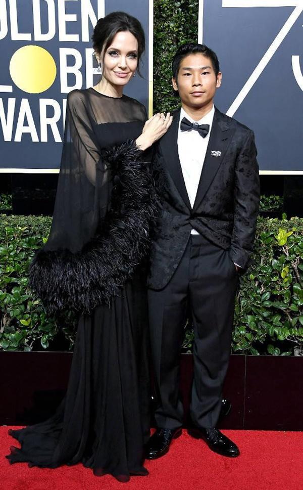 Cậu bé người Việt được Angelina Jolie nhận nuôi ngày ấy - bây giờ: Lột xác từ tính cách đến ngoại hình, luôn được mẹ dặn ghi nhớ 1 điều-11