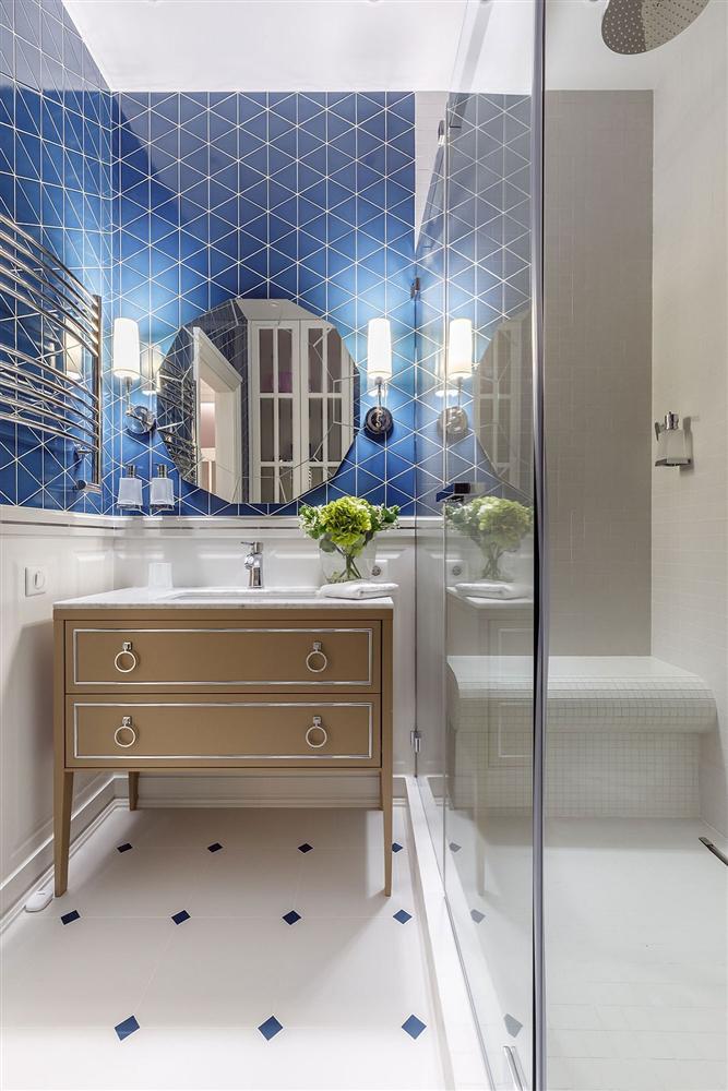 Gam màu xanh và trắng: Bộ đôi hợp thời trang và vượt thời gian cho phòng tắm nhà bạn-9