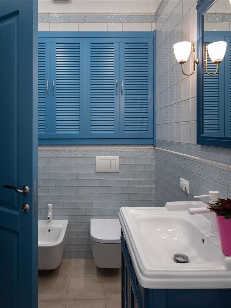 Gam màu xanh và trắng: Bộ đôi hợp thời trang và vượt thời gian cho phòng tắm nhà bạn-10