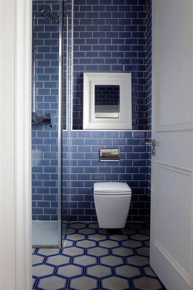 Gam màu xanh và trắng: Bộ đôi hợp thời trang và vượt thời gian cho phòng tắm nhà bạn-12
